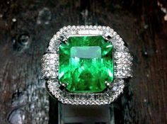 8.5ct colombian emerald in microset gold diamond ring