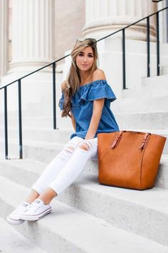 Jessi Afshin has created a super cute summer look by pairing distressed white jeans with an off the shoulder denim top and fresh white classic converse. Try this look yourself for an achievable casual look! Jeans Outfit Summer, Travel Outfit Summer, Summer Jeans, Outfit Jeans, Summer Outfits, Summer Travel, Comfy Outfit, Striped Blazer Outfit, Summer Bucket