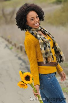 Flowers and the right background really add life to this already-gorgeous model.