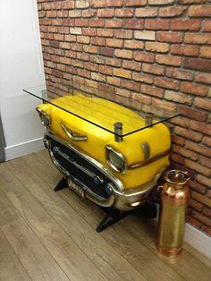 A RVL reveste a sua parede com tecidos incríveis. Fica demais... www.rvalentim.com