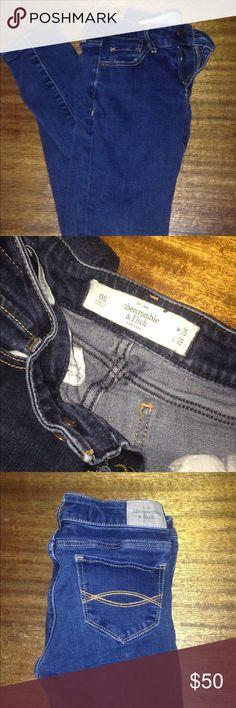 001377b13 Abercrombie jeans Skinny jeans, dark denim blue jeans, size 0 Short  Abercrombie & Fitch