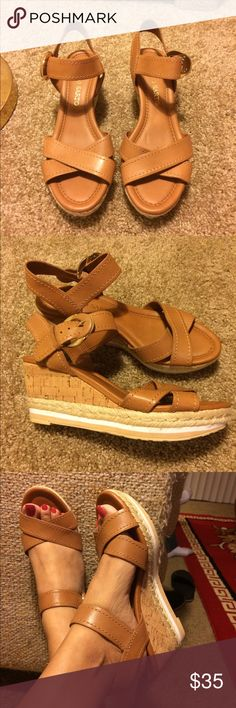 Franco Sarto Platform Wedge Heel Sandle Franco Sarto Platform Wedge Espadrille Sandal. Soft padding sole with gold hardware. Very comfortable. Original price is $69. Sole looks like like worn but you it's never  been worn. Size is 6. No box. $25 at Ⓜ️😊 Franco Sarto Shoes Espadrilles