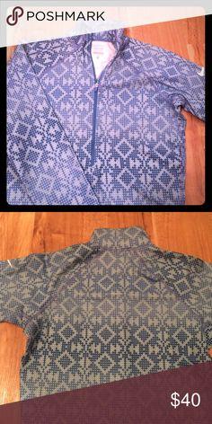 Nike Pro Dri Fit Half zip top, beautiful pattern Nike Tops Sweatshirts & Hoodies