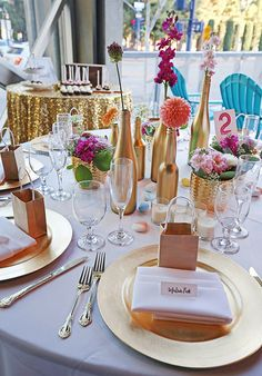 fun colorful tabletop design by Snowberry Studio | @weddingchicks