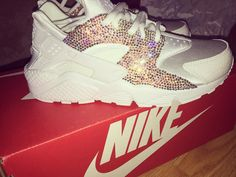 """""""Came home to these from @infamousrocks1 ❕Thank you! #hurache #nike"""""""