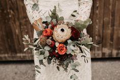 Vintage Bridal Bouquet #boho Vintage Bridal Bouquet, Bridal Bouquets, Table Decorations, Boho, Portrait, Photography, Home Decor, Wedding Photography, Fotografie