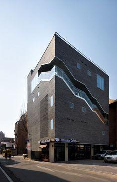 Bricks / Doojin Hwang Architects