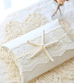 Abby's Paperie Garden: a new line Creative Gift Wrapping, Creative Gifts, Wrapping Ideas, Jewelry Packaging, Gift Packaging, Wedding Planer, Weird Shapes, Pillow Box, Wedding Gifts