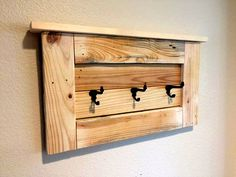 Pallet Wall Hooks with Shelf - 50+ DIY Pallet Ideas That Can Improve Your Home | Pallet Furniture