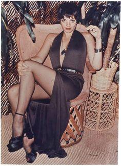 Looks inspirados en las noches de locura en Studio 54 moda Studio 54 Fashion, Studio 54 Style, Liza Minnelli, Seventies Fashion, 70s Fashion, High Fashion, Studio 54 Outfits, Moda Disco, Studio 54 Disco