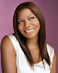 Very classy and sophisticated describes Queen Latifah Hairstyles. Queen Latifah has so many accomplishment from iconic female rapper to film producer to actress to jazz singer and many more. Queen Latifah, Black Women Hairstyles, Hairstyles With Bangs, Easy Hairstyles, Hairstyle Ideas, Beautiful Hairstyles, Wedding Hairstyles, Beautiful Black Women, Beautiful People