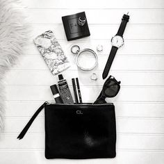Amazing photo from Chantal showing our Edge cuff (New in! And already sold out! But returning really soon. What In My Bag, What's In Your Bag, School Bag Essentials, Inside My Bag, Green Raincoat, Minimal Jewelry, Raincoats For Women, Embroidery Fashion, You Bag