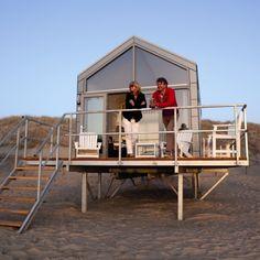 Luxe strandhuisjes van Landal in Julianadorp aan Zee, geschikt voor 4-6 personen, direct op het strand aan de voet van de duinen