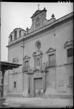 San Andrés church is impresive. Would it be possible to upload more pictures of others churches in the city that were taken around 1930 by photographer Antonio Passaporte Murcia: Business Center Metropolis Empire - Page 352