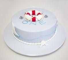 Le thème choisi : marin ! Donc le gâteau que je dois faire est de ce genre !