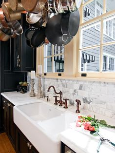 Sink Swoon! 18 Farmhouse Sinks We Love >> http://www.diynetwork.com/kitchen/18-farmhouse-sinks/pictures/index.html?soc=pinterest