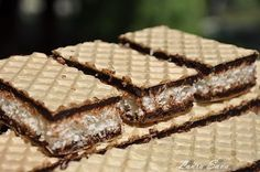 Coconut and chocolate waffles Chef Recipes, Sweets Recipes, Cookie Recipes, Romanian Desserts, Romanian Food, Mini Desserts, Desserts To Make, Peach Cookies, Crepes And Waffles