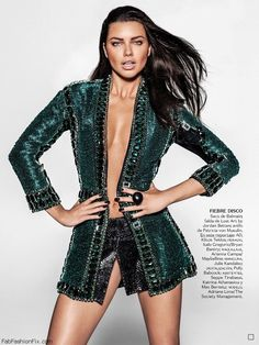 Brazilian supermodel Adriana Lima (The Society) stars on the cover of Vogue magazine Mexico July 2015 issue. Photographed under the lens of Russell James and Estilo Adriana Lima, Adriana Lima Style, Fashion Models, High Fashion, Womens Fashion, Fashion Beauty, Russell James, Mexico Fashion, Vogue Brazil