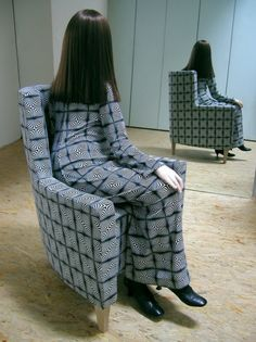 Sitzende, 2006 140cm x 65cm x 110cm | mixed media. by Simon Schubert