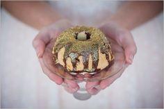 Lauren-Kriedemann_Blush_emerald_gold_styled_wedding028