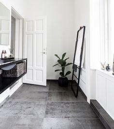 Betonfliser By Lassen, Cool Ideas, Modern Bathroom, Living Room Designs, Pantone, Indoor Outdoor, Entryway, Shabby Chic, Design Inspiration