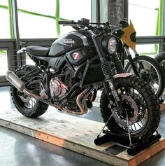 I seriously am into just what these people did to this distinctive Yamaha Motorcycles, Scrambler Motorcycle, Moto Bike, Motorcycle Garage, Motorcycle Design, Custom Motorcycles, Custom Bikes, Cars And Motorcycles, Er6n