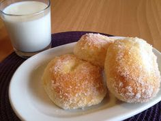 Ντονατς φούρνου  Υλικά:   Για τη ζύμη:  350 γρ. αλεύρι για όλες τις χρήσεις (2½ κούπες)  125 γρ. γάλα χλιαρό (2/3 κούπας)  50 γρ, ζάχαρη (3 κ.σ.)  50 γ...