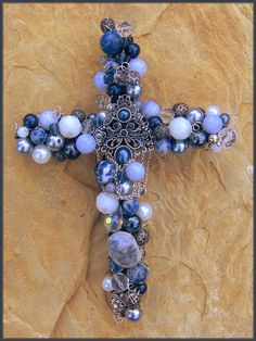 Hobbies And Games Key: 8978522356 Cross Jewelry, Old Jewelry, Jewelry Crafts, Jewelry Art, Beaded Jewelry, Vintage Jewelry, Jewelry Design, Jewellery, Crosses Decor