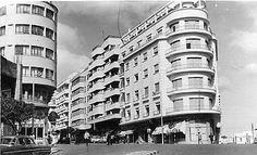 Edificio del Casino Español de Tánger (a la derecha en la foto) http://paseandocon.blogspot.com.es/2011/07/maria-duenas-el-tiempo-entre-costuras.html