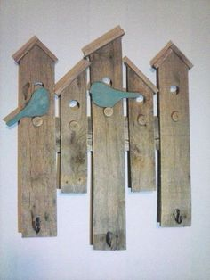 House Wall Hanging with Coat Hooks made from upcycled pallet wood by Nailed. - Familie -Bird House Wall Hanging with Coat Hooks made from upcycled pallet wood by Nailed. Pallet Projects, Woodworking Projects, Diy Projects, Woodworking Shop, Woodworking Videos, Woodworking Machinery, Woodworking Plans, Youtube Woodworking, Workbench Plans