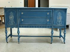 Color: Annie Sloan Chalk paint in Greek Blue.