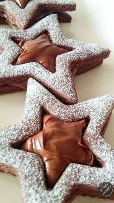 Chocolate Star Cookies - new site Chocolate Stars, Chocolate Cookies, Chocolate Desserts, Chocolate Pastry, Star Cookies, Cake Cookies, Cupcakes, Delicious Cake Recipes, Yummy Cakes