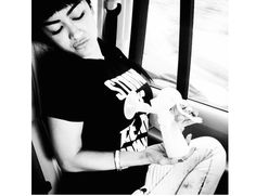Berita Hot Artis: Aksi FOTO perah Asi Julia perez(jupe) Di instagram Panen Kritikan