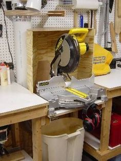 Chris Billman's Dust Collection Hoods - Dust hoods - imagine that Joe! Miter Saw Table, Mitre Saw Bench, Diy Shops, Table Saw Dust Collection Diy, Mitre Saw Dust Collection, Shop Dust Collection, Basement Workshop, Home Workshop, Workshop Storage