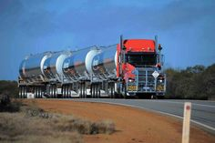 Road train w/4 tanks and #4 is a super tanker......⚡️