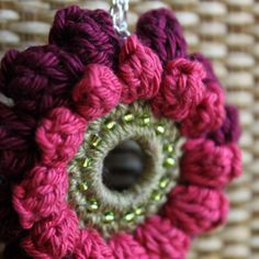 Layered Flower Necklace in Thread Crochet--I'd like to make it to use as a keychain