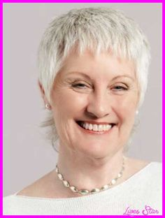 awesome Pixie haircut for older women