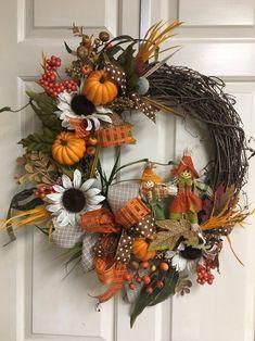 Diy Fall Wreath, Autumn Wreaths, Wreath Ideas, Patriotic Decorations, Valentine Decorations, Fall Decorations, Blue Fall Decor, Thanksgiving Wreaths, Thanksgiving 2020