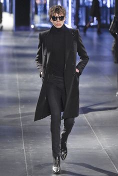 Saint laurent men's rtw fall 2015 men's fall 2015 мужчины, с Mens Fashion Week, Trendy Fashion, Trendy Style, Ysl, Mens Wear Shop, Ramses, Mode Man, Saint Laurent Paris, Versace Men