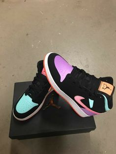 Cute Nike Shoes, Cute Sneakers, Shoes Sneakers, Sneakers Nike Jordan, Kd Shoes, Jordan Nike, Jordan 11, Sneakers For Boys, Shoes Style
