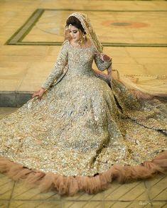 Latest Bridal Dresses, Bridal Mehndi Dresses, Asian Bridal Dresses, Walima Dress, Indian Bridal Outfits, Indian Fashion Dresses, Wedding Dresses For Girls, Bridal Wedding Dresses, Bridal Lehenga