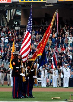 Eager about sniper firing marine corps lifestyle, good luck ▄︻̷̿┻̿═━一 Colour Guard, Color Guard Flags, Star Spangled Banner, American Civil War, American Flag, Us Flag Code, Saluting The Flag, Best Banner Design, Medal Of Honor Recipients