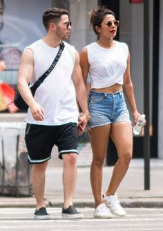 Priyanka Chopra and nick jonas in matching outfits. Bollywood Couples, Bollywood Fashion, Bollywood Actress, Actress Priyanka, Priyanka Chopra Sexy, Shraddha Kapoor, Ranbir Kapoor, Deepika Padukone, Priyanka Chopra Haircut
