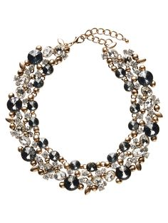 Statement necklace from VERO MODA. Add some extra bling to your party outfit.