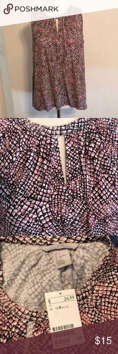 NWT H&M blouse Sz S NWT Sz small H&M beautiful pink, white, brown and black blouse.  100% Viscose  Perfect for the office then pr with that perfect skirt or white pants for fun out on the town!  THIS is a MUST have for any wardrobe. It's so versatile. H&M Tops Blouses