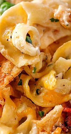 Loaded Cheesy Chicken Noodle Casserole - The Chunky Chef Casserole Dishes, Casserole Recipes, Crockpot Recipes, Chicken Recipes, Cooking Recipes, Cheesy Recipes, Pasta Recipes, Pasta Dishes, Food Dishes