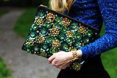 Vintage Sequins Flower Clutch Bag #vintage #flower #handbag www.loveitsomuch.com