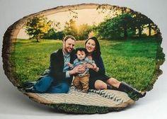 Семейная фотография на спиле дерева