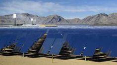 Image copyright                  Reuters Image caption                                      El presidente Barack Obama ha apostado por la energía solar durante sus 8 años de mandato.                                Mucho sol, grandes extensiones de terreno y voluntad política. El desierto de California parece contar con todos los ingredientes para que prospere la industria de la energía solar. Sin embargo, esta industria también tiene sus