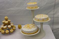 Communie taarten en cupcakes.